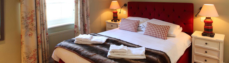 room 11 crown hotel wells. Black Bedroom Furniture Sets. Home Design Ideas